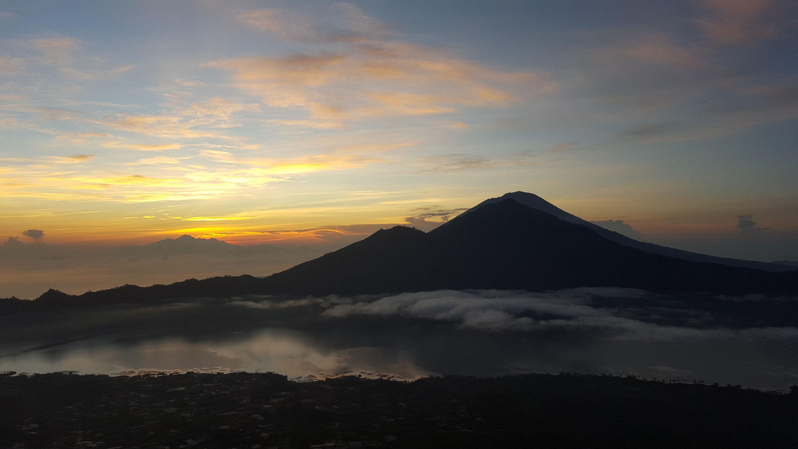 Amanecer desde el Monte Batur
